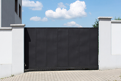 Top 3 Benefits of a Metal Gate